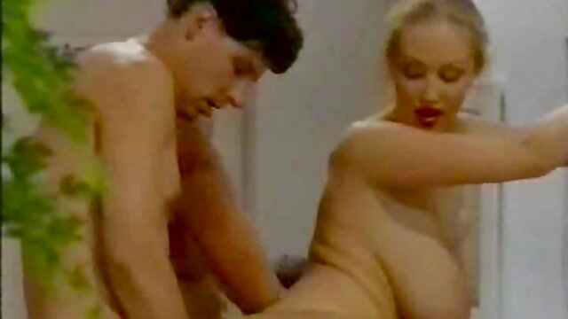Kazakistan Witwater sta spiando le film porno gratis con donne mature donne a urinare
